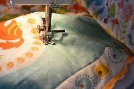 Sew an Easy Beginner's Baby Quilt | The DIY Mommy & Sew an Easy Beginner's Baby Quilt by The DIY Mommy Adamdwight.com