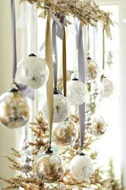 White And Gold Decor Gold And White Christmas Decor Ideas