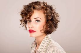short curly haircuts for round faces 15