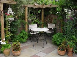 Stunning Covered Patio Decorating Ideas on Small Home Decoration