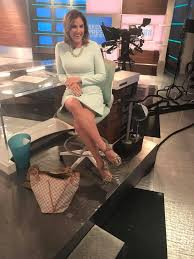 Lynn Smith - A sparkle shoe kind of a day 🌟 join us on... | Facebook