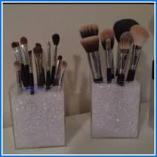makeup brush holder with cover