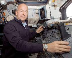 Retired Astronaut Alan Poindexter Dies in Jet Ski Accident   Space