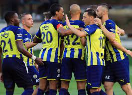 Fenerbahçe hazırlık maçında Kasımpaşa'yı 4-1 mağlup etti