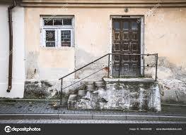 Altes Gebäude Mit Einem Zerbrochenen Fenster Mit Klimaanlage