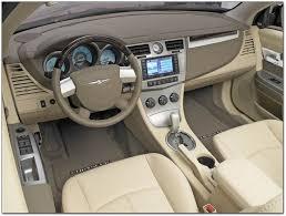 inside the 2008 chrysler sebring convertible