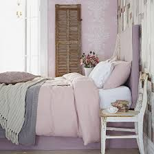 pretty pink country style bedroom how to decorate with pink photo gallery