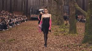 the fall winter 2018 19 ready to wear show chanel
