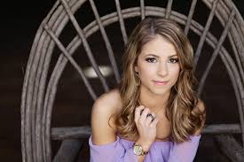 makeup and hair styling for elyse s portraits in houston texas photography by brittney duffy of
