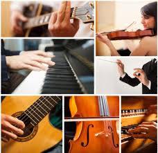 Alat musik melodis adalah alat musik yang bernada, tetapi tidak bisa membentuk accord, contoh : Jenis Alat Musik Harmonis Adalah