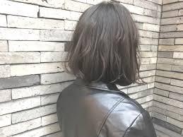 アッシュグレーで今ドキの髪色ブリーチなしでも旬カラー Hair