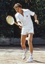 ПАРНЫЙ ТЕННИС Один за двоих и двое за одного tennis go на тех же турнирах обычно проводятся парные doubles а иногда и смешанные парные mixed doubles матчи В парных соревнованиях мужчины играют против