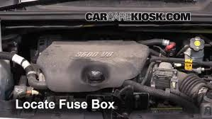 replace a fuse 2005 2008 chevrolet uplander 2005 chevrolet locate engine fuse box and remove cover