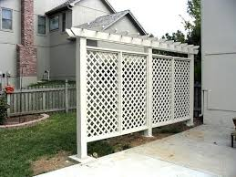 diy outdoor privacy screen from lattice panels