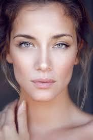make up natural green eyes woman brown hair