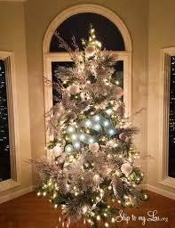 beautiful decorated Christmas Tree skiptomylou.org
