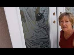 how to clean etched glass doors
