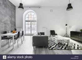 Moderne Loft Interieur Mit Sofa Esstisch Mit Stühlen