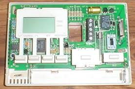 repairing a maple chase 9600 or robershaw 9600 thermostat top of the thermostat s circuit board