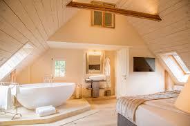 Luxusurlaub In Der Steiermark Schlafzimmer Mit Freistehender