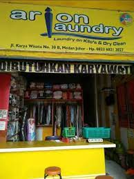 Melakukan penjualan seacra aktif langsung di lapangan 2. Arion Laundry