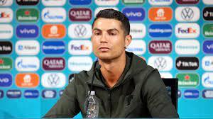 """EM 2021: Cristiano Ronaldo hält nichts von EM-Sponsor – """"Coca-Cola, bah"""""""