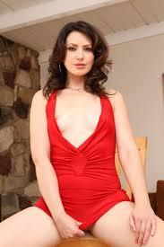 Sarah Shevon 023 853x1280.jpg