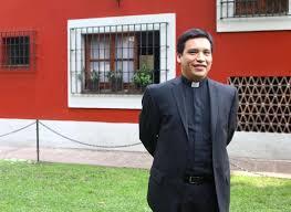 ALUMNI DE DERECHO SE ORDENA SACERDOTE | Universidad Panamericana