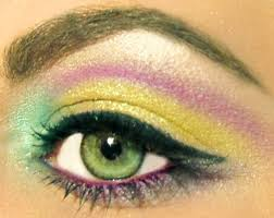 for getting stunning eye makeup for green eyes you just need to play with the best colors try to choose that eyeshadow colors that suits to eye color