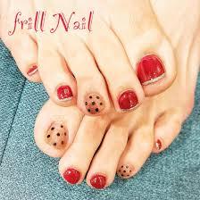 お客様nail レッドはフットネイルで一番人気のカラーです 今年流行り