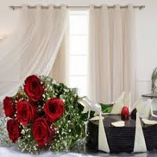 6 red roses bouquet with chocolate cake
