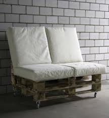 pallets as furniture. lowcost wooden pallet bench on wheels pallets as furniture