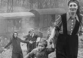 Woman, Girl From Astonishing Holocaust Photo Identified – The Forward