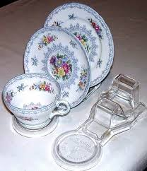 Trio Display Stands Stunning 32 'NYGOORA' CUP SAUCER AND PLATE DISPLAY STANDSAUSTRALIAN MADE