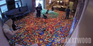 Man Pranks His Girlfriend By Turning Their Entire House Into a Ball Pitt