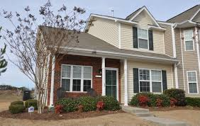 3 bedroom homes. built in 2008, this 3-bedroom, 2.5-bathroom town house is conveniently located near downtown charlotte, while offering the benefits of a quiet neighborhood. 3 bedroom homes 4