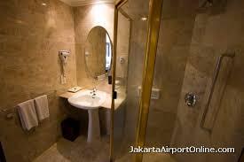 jakarta airport hotel deluxe room deluxe room bathroom