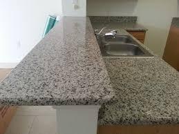 St Cecilia Light Granite Kitchens Ubatuba Santa Cecilia Mil Venetian Ornamental Light Granite