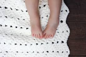 Bernat Crochet Patterns Gorgeous Free Modern Chunky Crochet Blanket Pattern BeginnerFriendly