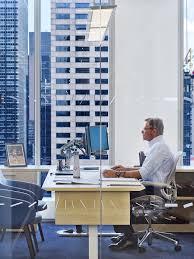 Nixon office Died Private Office Officelovin Tour Of Nixon Peabodys Elegant Nyc Office Officelovin