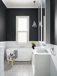 Love the lay out bath under window the colors vanity light fitting