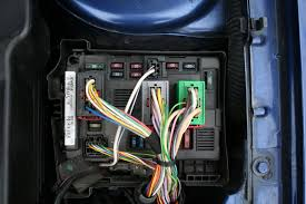 the peugeot info exchange rsaquo forums rsaquo the car rsaquo talk rsaquo  however i ve taken a picture of the engine bay fuse box i ll get a pic of the one inside too in moment