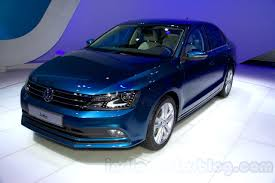 volkswagen jetta 2015 blue. 2015 vw jetta facelift at the 2014 moscow motor front quarter volkswagen blue