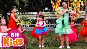 Bé Chúc Xuân ♫ Ngọc Ngân ♫ Nhạc Tết Vui Nhộn Cho Bé Ăn Ngon - YouTube