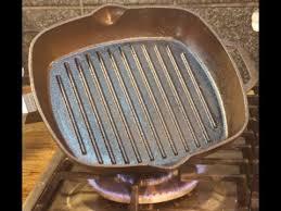 Подготовка чугунной сковороды к использованию - YouTube
