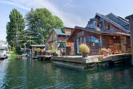Houseboats In Seattle Featured Property The Hobbit Houseboat Seattle Condos Seattle