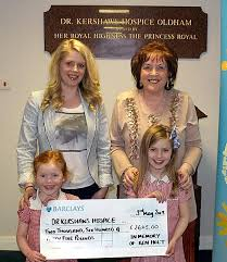 Oldham News | News Headlines | Widow's vow to help hospice - Oldham  Chronicle