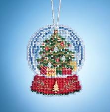 Christmas Tree In Chart Paper Christmas Tree Globe