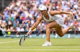 Barty steers past former champ Kerber ...