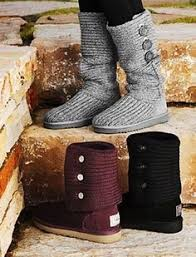 How to clean UGG boots  Keep your favorite UGG boots looking their best  with UGG Sheepskin Cleaner and Conditioner. In 5 easy steps  your UGG  Classics will ...